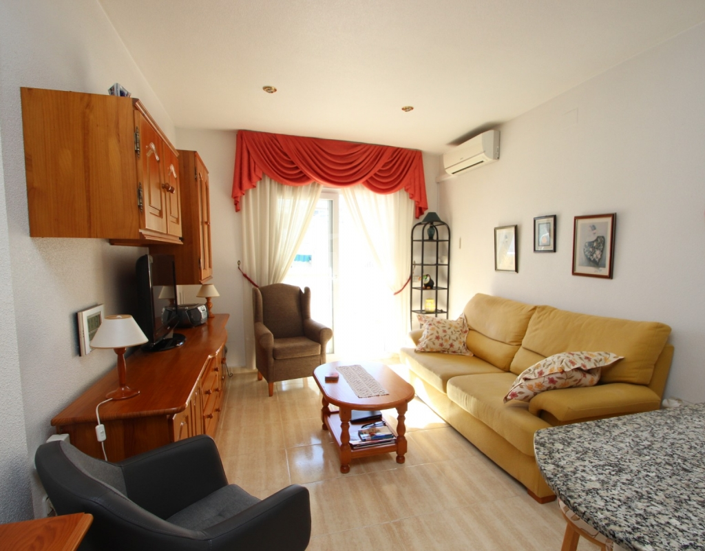 APARTMENT WITH SOLARIUM AND GARAGE IN PLAYA DEL CURA