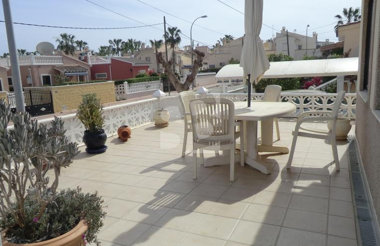 Вилла - Продажа - ORIHUELA COSTA - Playa Flamenca