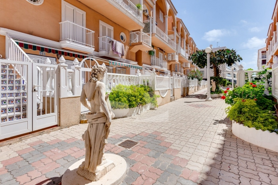Row house - Resale - TORREVIEJA - La Mata
